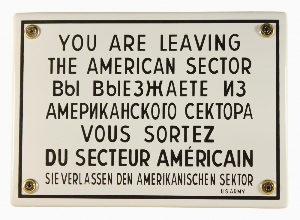 Bild 1 von Emailleschild - YOU ARE LEAVING THE AMERICAN SECTOR WEST BERLIN